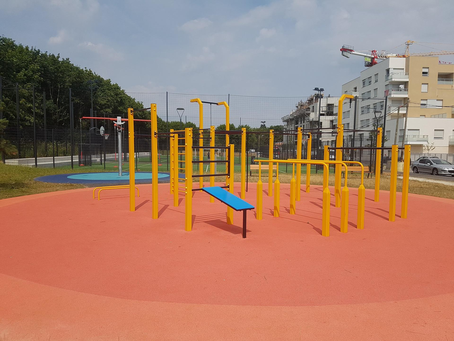 Street workout realization FlowParks Francja