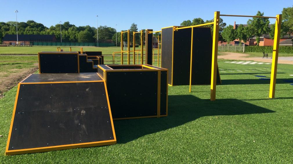 Połączenie parkour parku z elementami street workout parku - FlowPark Naestved